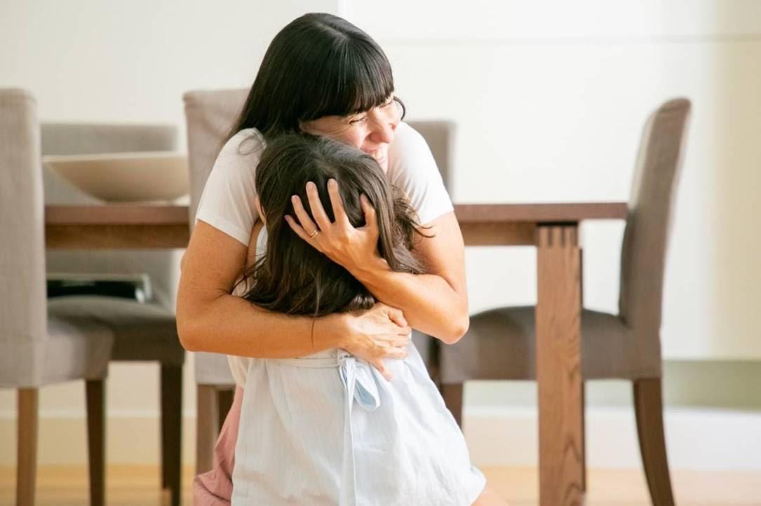 Cho con mọi thứ để con hạnh phúc thôi chưa đủ, mẹ phải biết bảo vệ con gái tuổi teen khỏi những nguy cơ sức khỏe này nữa! - Hình 1