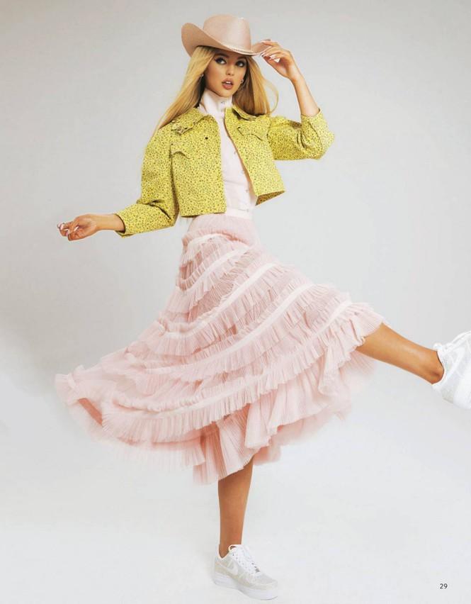 Mê mẩn ngắm búp bê Barbie giữa đời thực Loren Gray - Hình 8