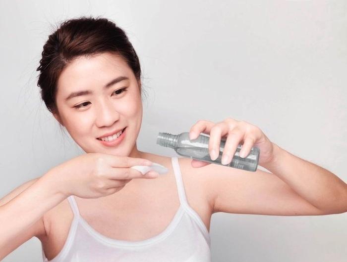 Thực hiện 7 bước chăm sóc da đơn giản này, lỗ chân lông rộng ngoác cũng se khít - Hình 2