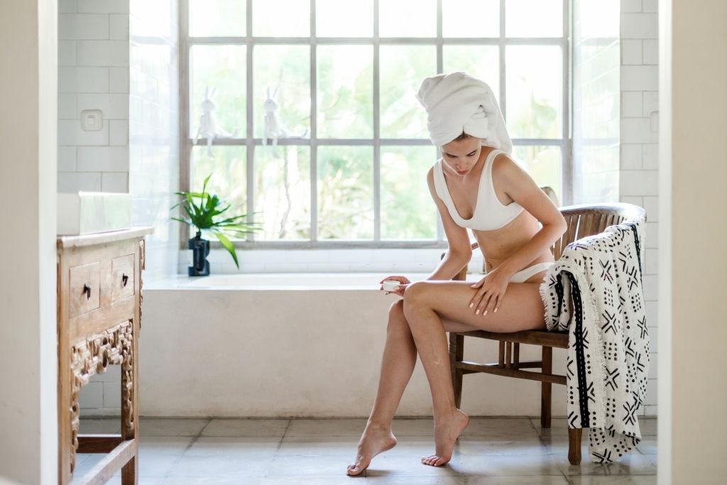 Sai lầm khi tắm gội khiến da và tóc xấu đi - Hình 5