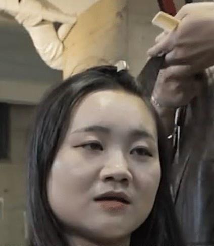 Thợ làm đầu của BTS tiết lộ mẹo giúp tóc nhìn dày hơn - Hình 3