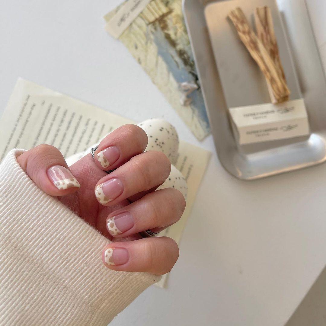 Gợi ý mẫu nails vừa đẹp vừa sang hợp với Tết Tân Sửu 2021 - Hình 7