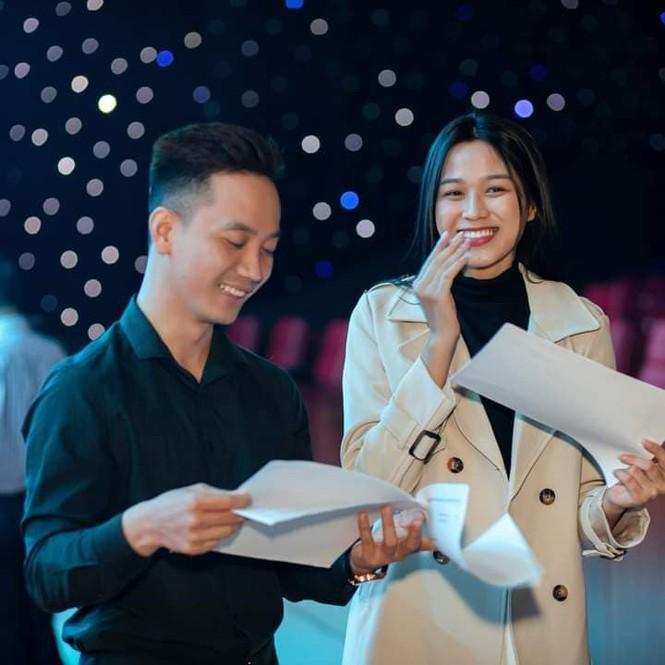 Chia sẻ clip đời thường, Hoa hậu Đỗ Thị Hà được khen xinh đẹp tự nhiên - Hình 11