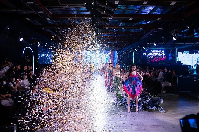 Vietnam International Fashion Festival - Tái định nghĩa lễ hội thời trang - Hình 1