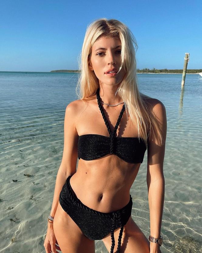Nàng mẫu cao 1m80 Devon Windsor gợi cảm với bikini rực rỡ sắc màu - Hình 5