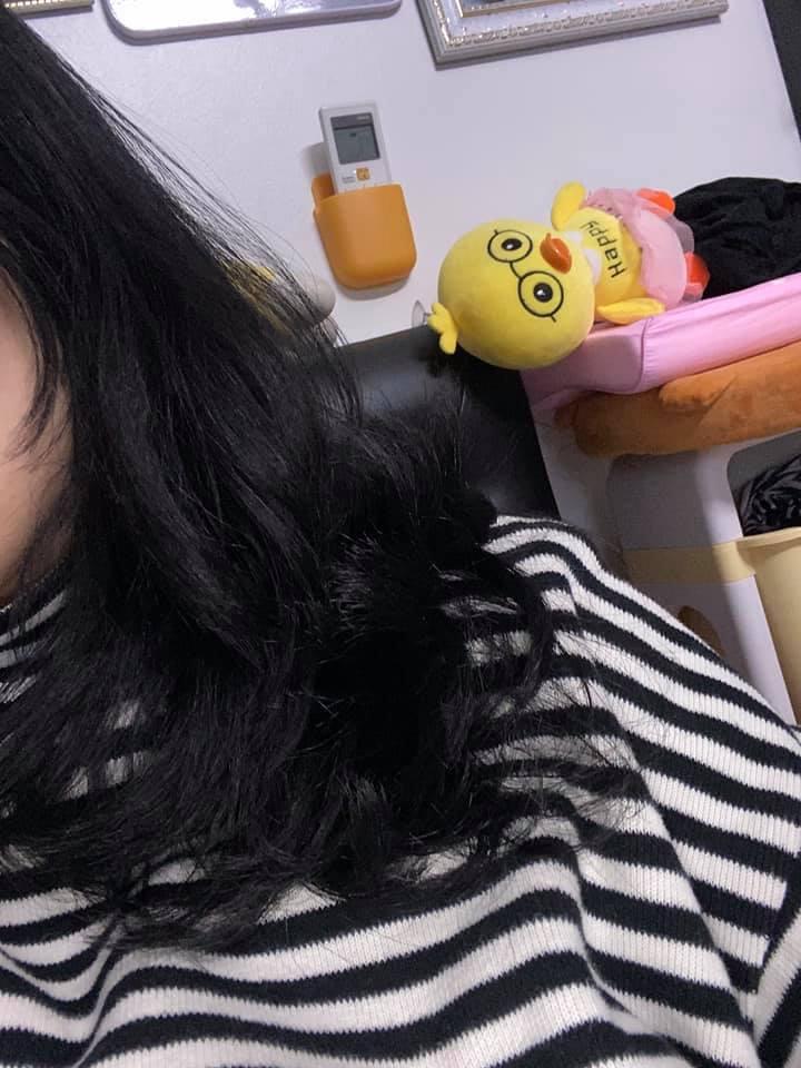 Cô nàng đăng ảnh tóc xơ xác như chổi xể, hội chị em đồng loạt chê thợ làm tóc không có tâm và khuyên làm điều này để nhanh phục hồi - Hình 2