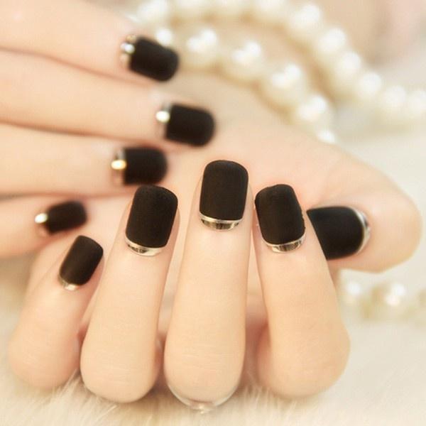 Năm 2021 đến rồi, mẫu nail màu đen ngỡ đơn giản cũng có trăm kiểu cho nàng thử quanh năm - Hình 3