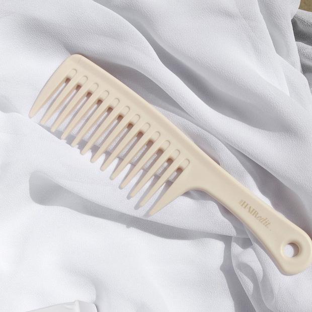 Muốn tóc giảm rụng, thêm bồng bềnh thì phải chọn đúng lược chải, nhà tạo mẫu tóc bảo thế thì chị em nên nghe - Hình 2