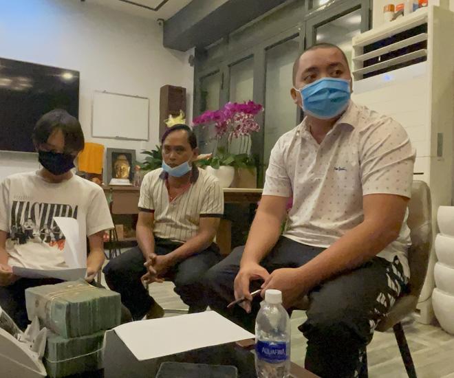 NÓNG: Quản lý cố ca sĩ Phi Nhung giao toàn bộ tiền cát xê, tặng thêm 500 triệu đồng cho Hồ Văn Cường, gia đình sẽ dọn ra riêng! - Hình 2