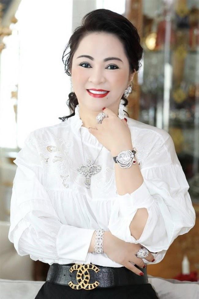 Bà Phương Hằng tuyên bố cho 1 tỷ đồng nếu quản lý Phi Nhung làm sáng tỏ việc này với Hồ Văn Cường - Hình 1