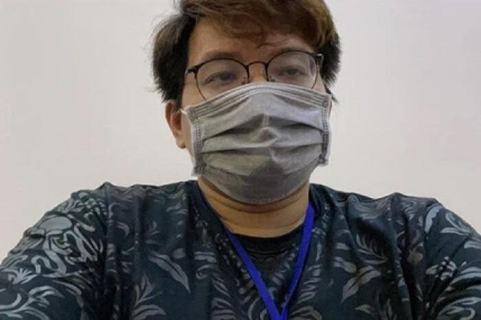 Nóng: Rò rỉ nhiều ảnh hacker Nhâm Hoàng Khang khóc mếu máo, tay bị còng giải về đồn - Hình 2