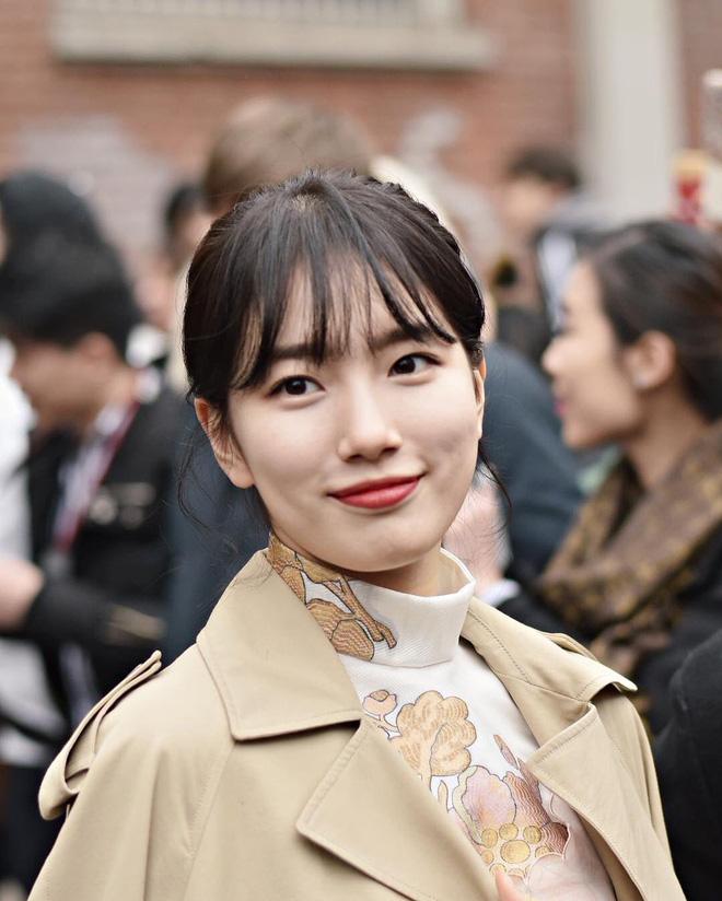Dàn nữ thần Kpop đại náo Fashion Week: Jennie - Suzy cứ hở bạo là bung xoã xịt máu, Jisoo hay Krystal mới đạt ngưỡng visual nữ thần? - Hình 35