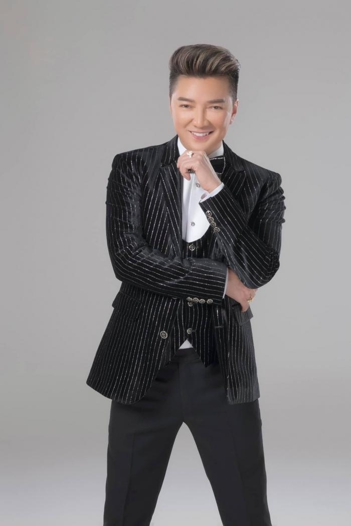 Top 4 nghệ sĩ giàu có nhất showbiz, Hoài Linh đứng đầu danh sách, trùm cuối khiến dân tình bất ngờ - Hình 5