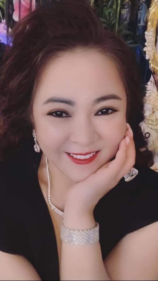 Bà Phương Hằng vẫn chưa chịu buông tha cho Phi Nhung: Có 200 triệu của nó mà cũng giữ, ai nói tôi xúc phạm cũng chịu - Hình 3