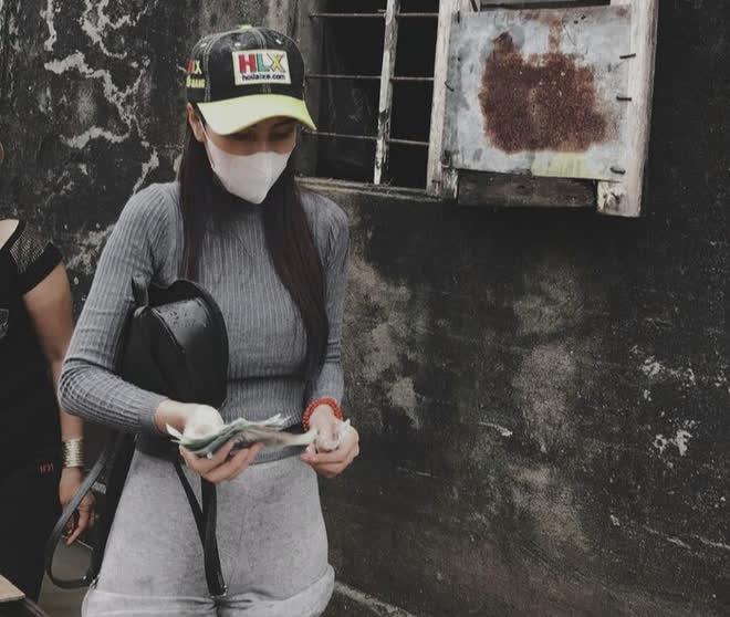 CĐM phẫn nộ trước vụ xác minh tiền từ thiện của Thủy Tiên ở Huế: Đi tự phát, phát tiền theo cảm tính - Hình 2