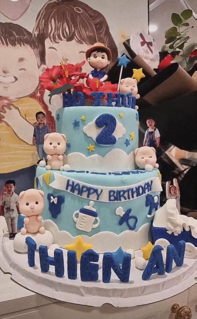 Tiệc sinh nhật tròn 2 tuổi của con trai Hòa Minzy: Hé lộ không gian trang trí đầy màu sắc, bố đại gia có động thái gì? - Hình 4