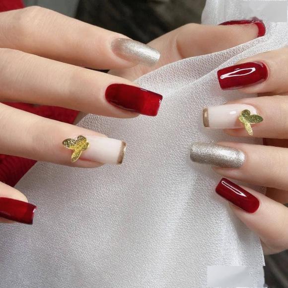 Những mẫu móng tay màu đỏ Tết được nhiều chị em chia sẻ! Giờ vẫn kịp để bạn làm đẹp cho mình - Hình 34