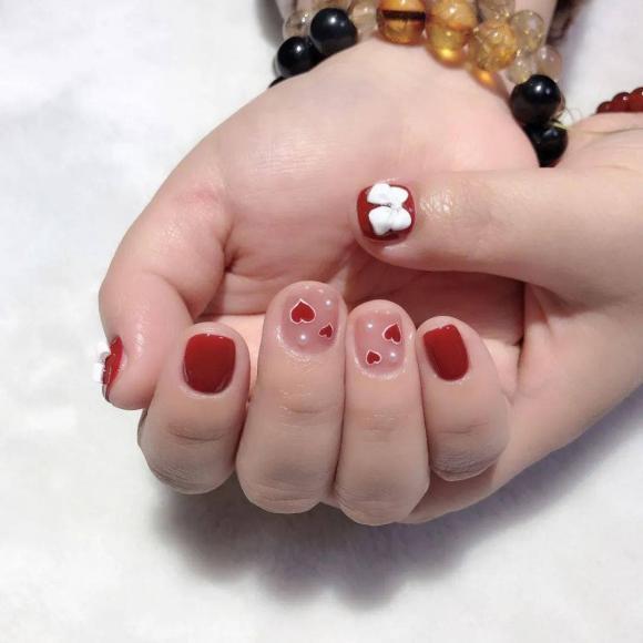 Những mẫu móng tay màu đỏ Tết được nhiều chị em chia sẻ! Giờ vẫn kịp để bạn làm đẹp cho mình - Hình 9