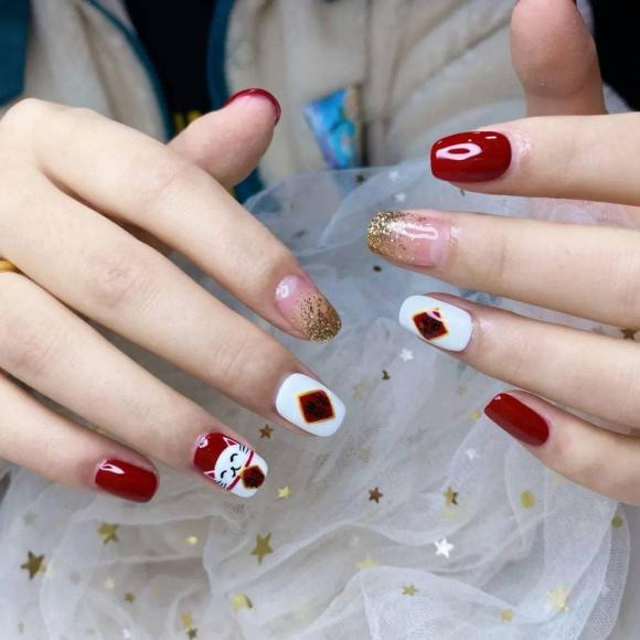 Những mẫu móng tay màu đỏ Tết được nhiều chị em chia sẻ! Giờ vẫn kịp để bạn làm đẹp cho mình - Hình 15