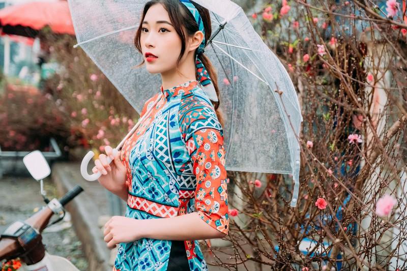 Hot girl bóng chuyền diện áo dài khoe dáng yêu kiều đón Xuân - Hình 6