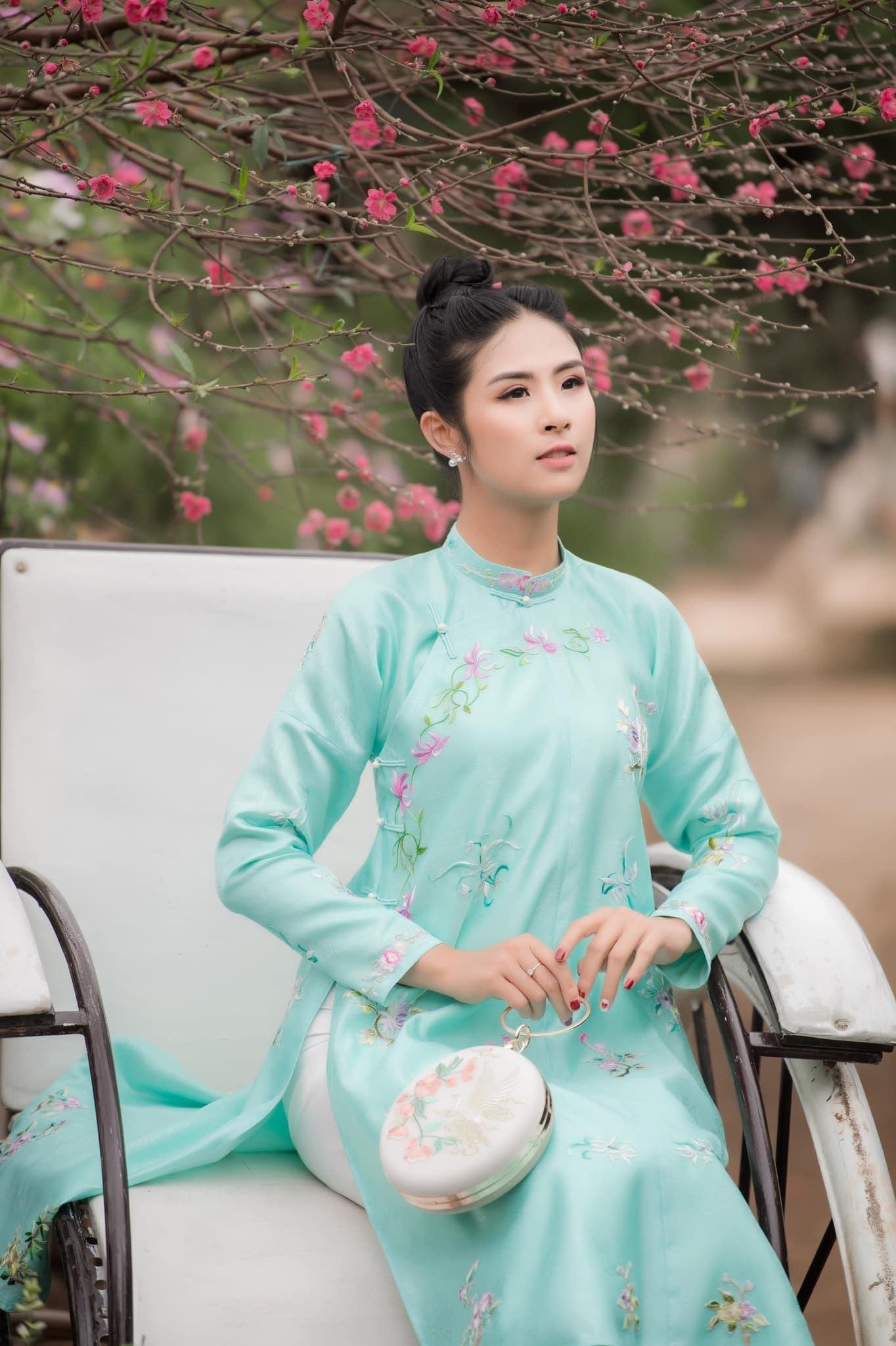 Đàm Vĩnh Hưng, Vũ Hà viếng mộ Nữ hoàng sân khấu Thanh Nga - Hình 10
