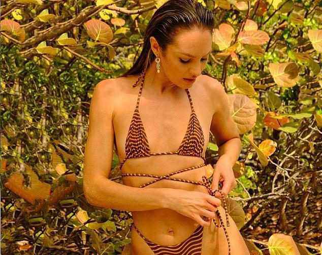 Siêu mẫu Candice Swanepoel khoe dáng nuột nà, quyến rũ - Hình 1