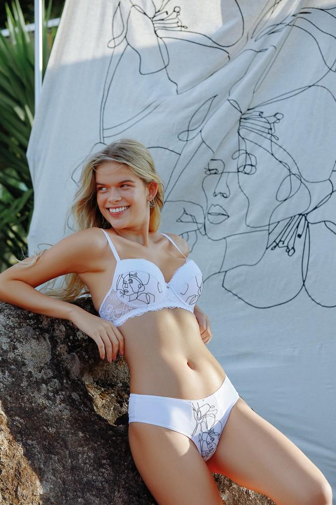 Vẻ đẹp tươi tắn đầy sức sống của người mẫu đôi mươi Eloiza Farias - Hình 1