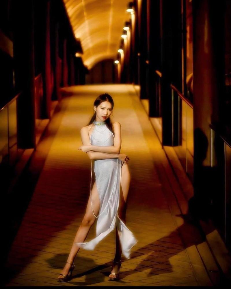 Diện áo dài không quần phản cảm, người mẫu xứ Đài bị ném đá - Hình 1