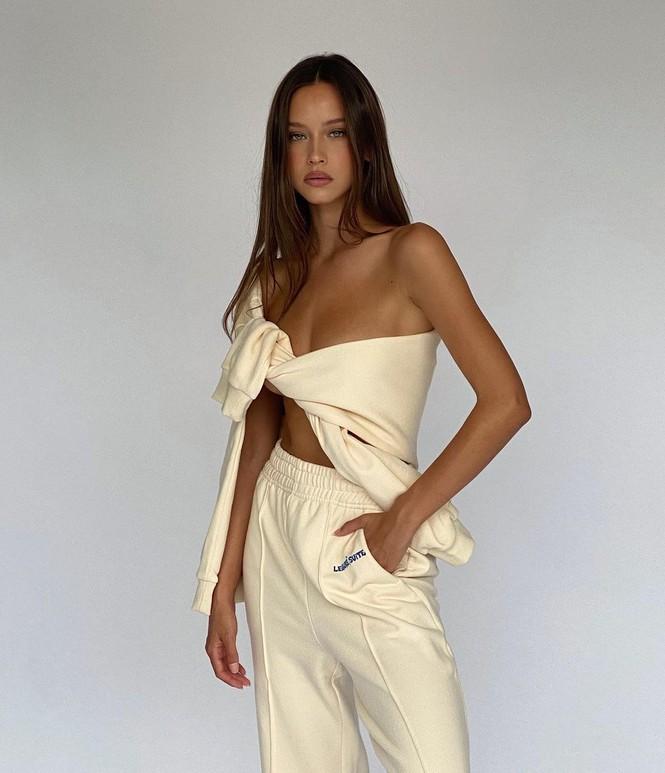 Nhan sắc ngọt ngào, thân hình tuyệt mỹ của nàng mẫu đôi mươi Isabelle Mathers - Hình 16