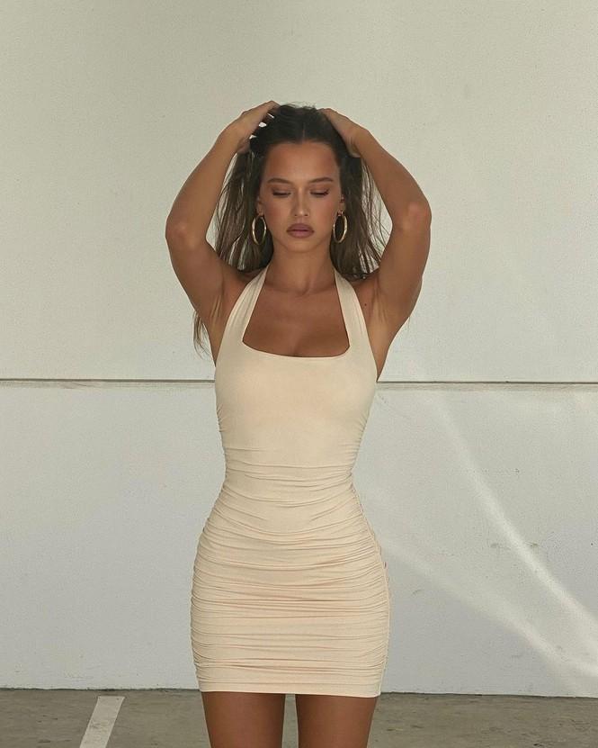 Nhan sắc ngọt ngào, thân hình tuyệt mỹ của nàng mẫu đôi mươi Isabelle Mathers - Hình 12