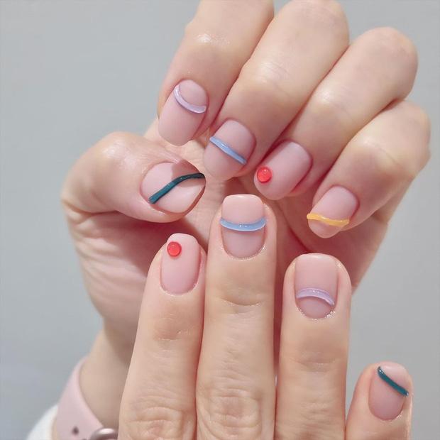 12 mẫu nail xinh xắn style Hàn xẻng cho nàng bánh bèo diện Tết: Ai chuẩn bị làm đẹp nên ngó nghiêng - Hình 7