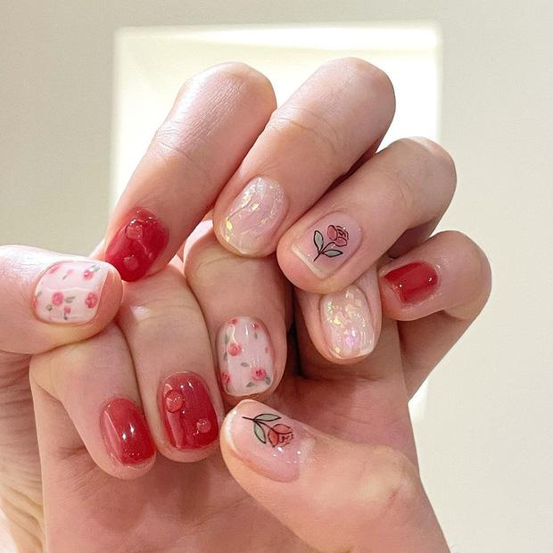 12 mẫu nail xinh xắn style Hàn xẻng cho nàng bánh bèo diện Tết: Ai chuẩn bị làm đẹp nên ngó nghiêng - Hình 3