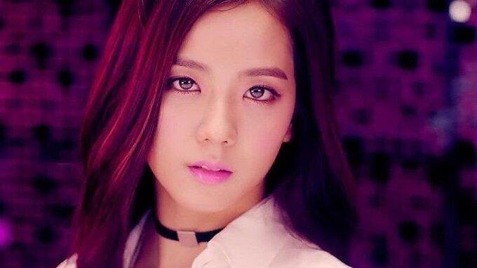 Ji Soo ngày càng ra dáng diễn viên nhờ đổi màu tóc, style make up - Hình 1