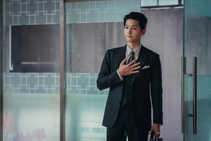 Gu thời trang cực sành điệu của Song Joong Ki trong phim mới Vincenzo -  Phong cách sao - Việt Giải Trí
