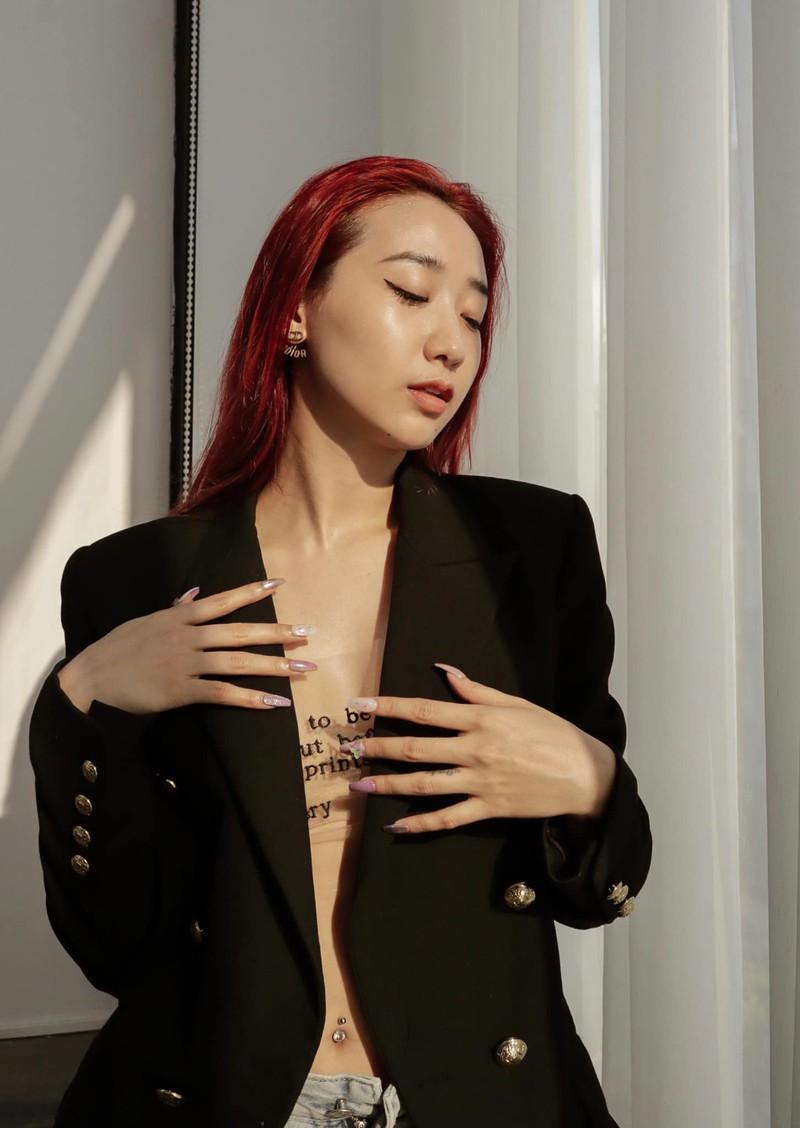 Bà chủ Hà thành khiến fan chảy máu mũi khi diện bikini - Hình 11