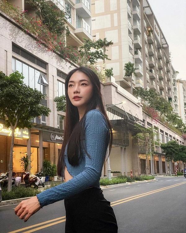 Nữ tiếp viên xinh đẹp của Vietnam Airlines đốt mắt người nhìn bằng loạt ảnh khoe vòng 1 căng đầy - Hình 6