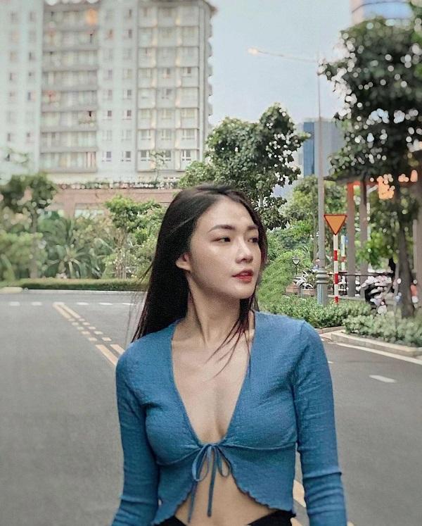 Nữ tiếp viên xinh đẹp của Vietnam Airlines đốt mắt người nhìn bằng loạt ảnh khoe vòng 1 căng đầy - Hình 4