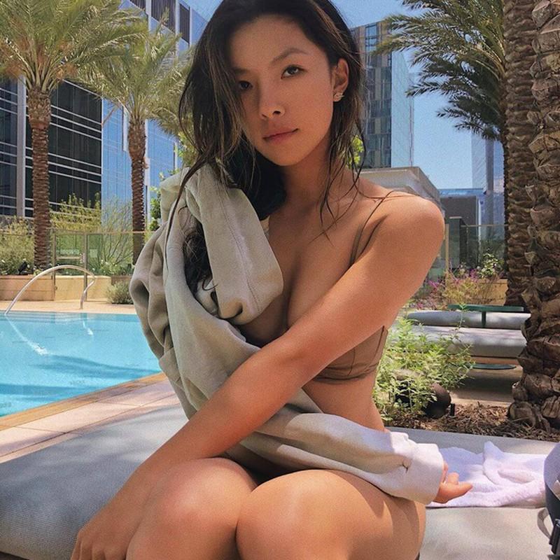 Vẻ đẹp nóng bỏng của nữ golf thủ xứ Trung mọi người đều mê - Hình 8