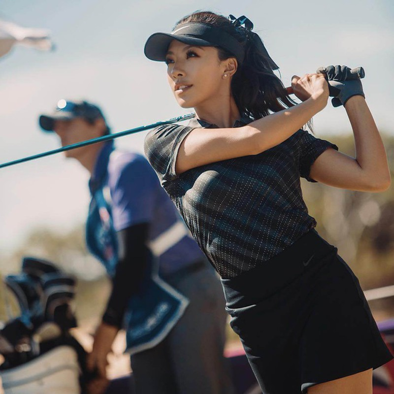 Vẻ đẹp nóng bỏng của nữ golf thủ xứ Trung mọi người đều mê - Hình 5