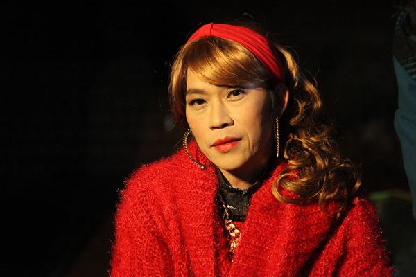Lâu lắm rồi NS Hoài Linh mới giả gái, thế này bảo sao được gọi là huyền thoại hiếm có của showbiz Việt! - Hình 4