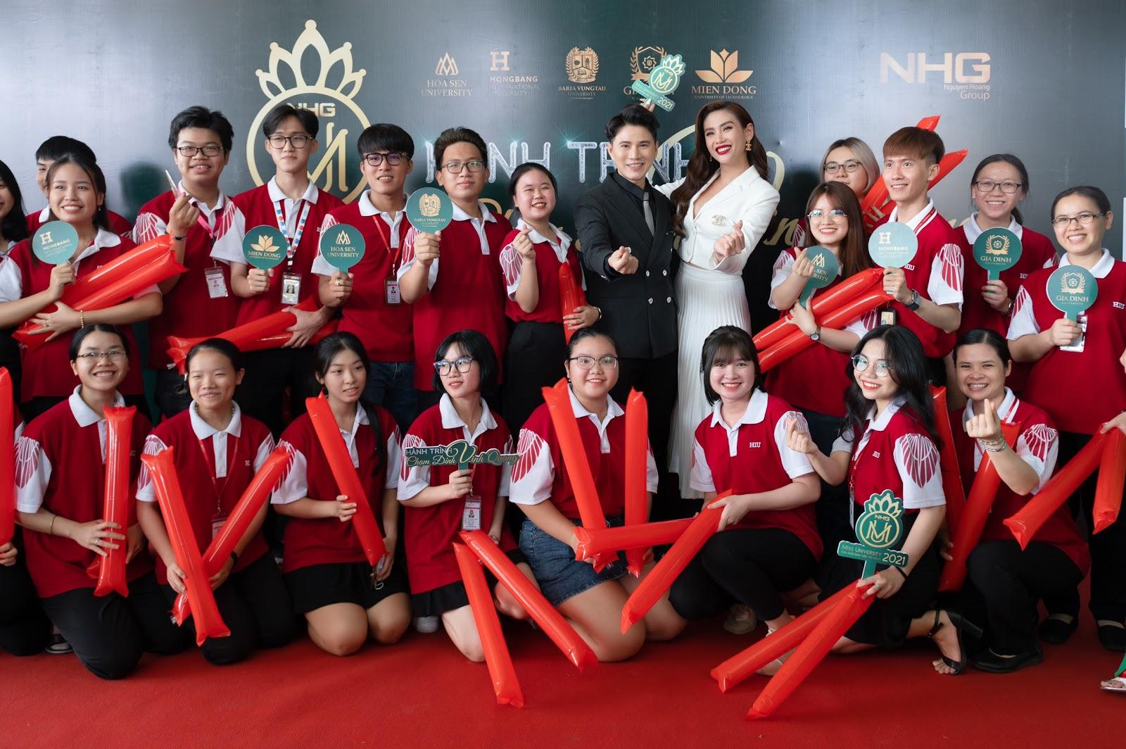 Siêu mẫu Võ Hoàng Yến lần đầu làm giám khảo cuộc thi hoa khôi sinh viên, dàn sao khủng đồng hành với nhiều vai trò đặc biệt - Hình 9
