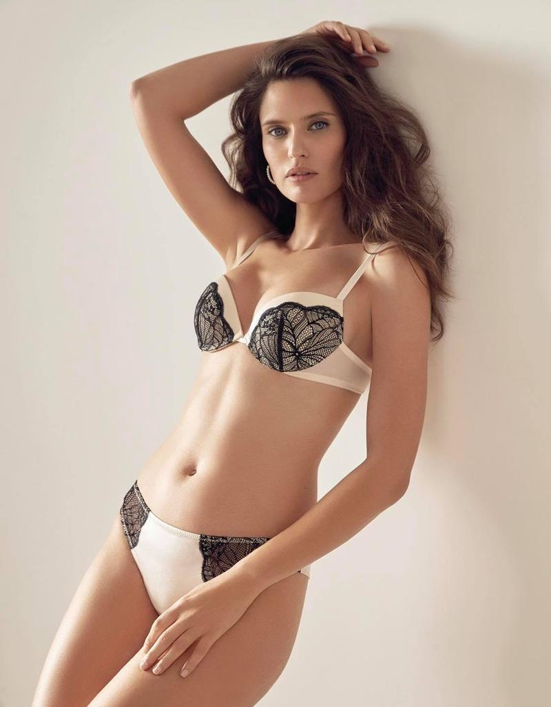 Thiên thần sắc đẹp nước Ý Bianca Balti khoe đường cong nóng bỏng với nội y - Hình 2