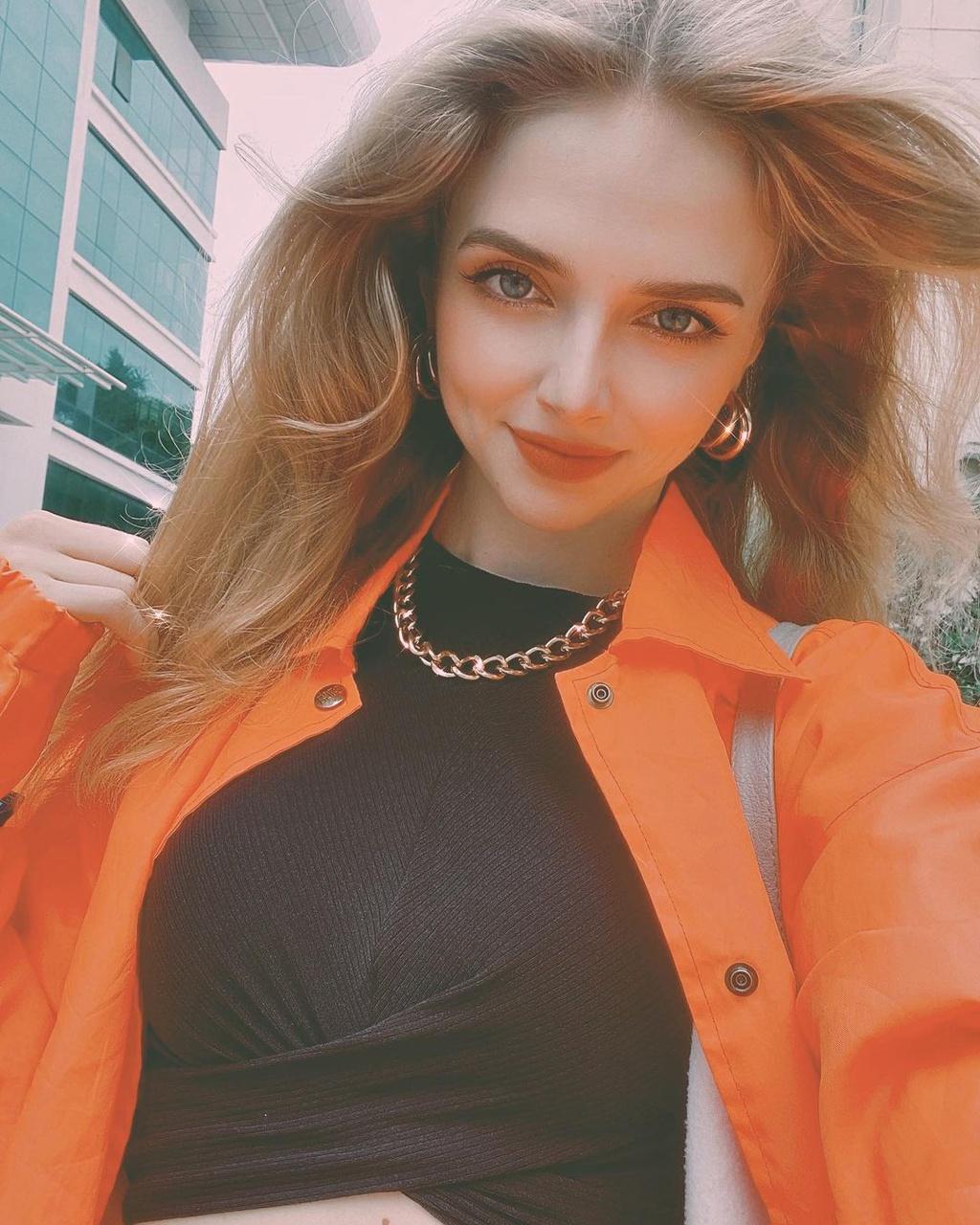 Người mẫu Ukraine thích mặc cổ phục Việt - Hình 9