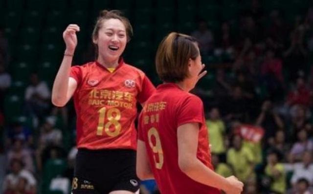 VĐV bóng chuyền xinh như thiên thần của Trung Quốc bất ngờ giải nghệ sớm - Hình 1