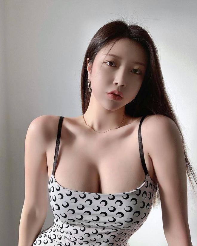 Hot girl ngực khủng, mông căng nổi như cồn sau khi chụp X-quang để chứng minh hàng thật, được trả 711 tỷ để làm streamer độc quyền vẫn thẳng thừng từ chối - Hình 10