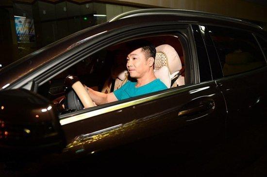Cuộc sống giàu có của ông vua màn bạc thập niên 90 Lý Hùng ở tuổi 52 - Hình 5