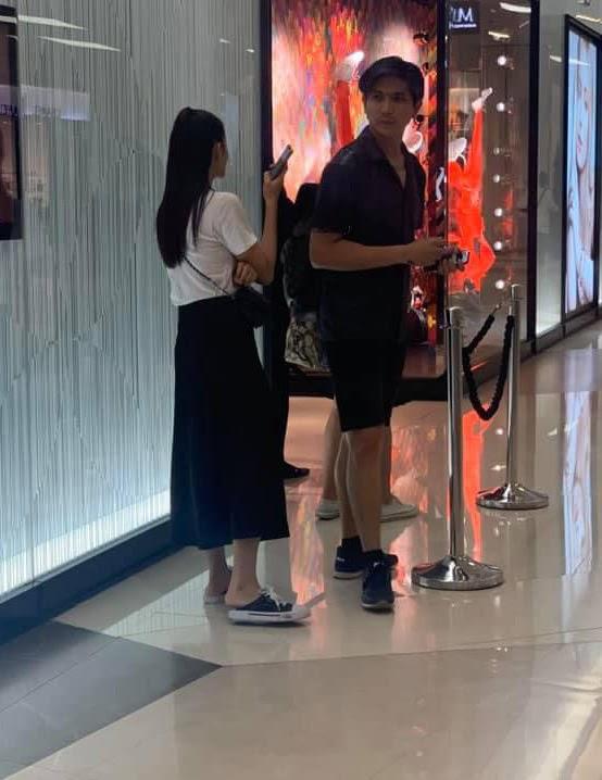 Cặp đôi khó hiểu nhất showbiz Việt: Ly hôn, xóa hình xăm vẫn sống bên nhau, hẹn hò tình tứ - Hình 3