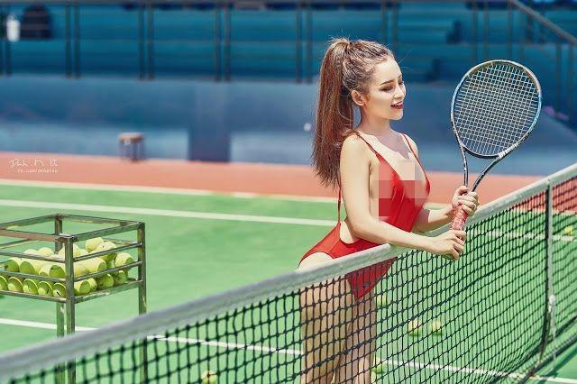 Nhức mắt thời trang thiếu vải của các mỹ nhân trên sân tennis - Hình 11