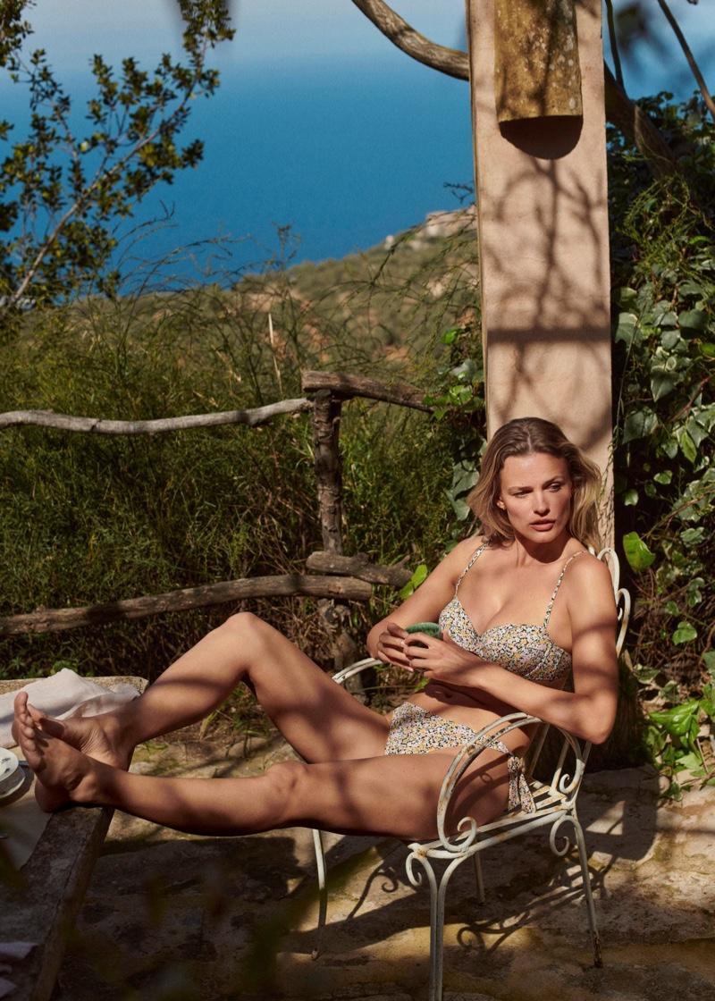 Siêu mẫu Edita Vilkeviciute khoe dáng với áo tắm - Hình 3