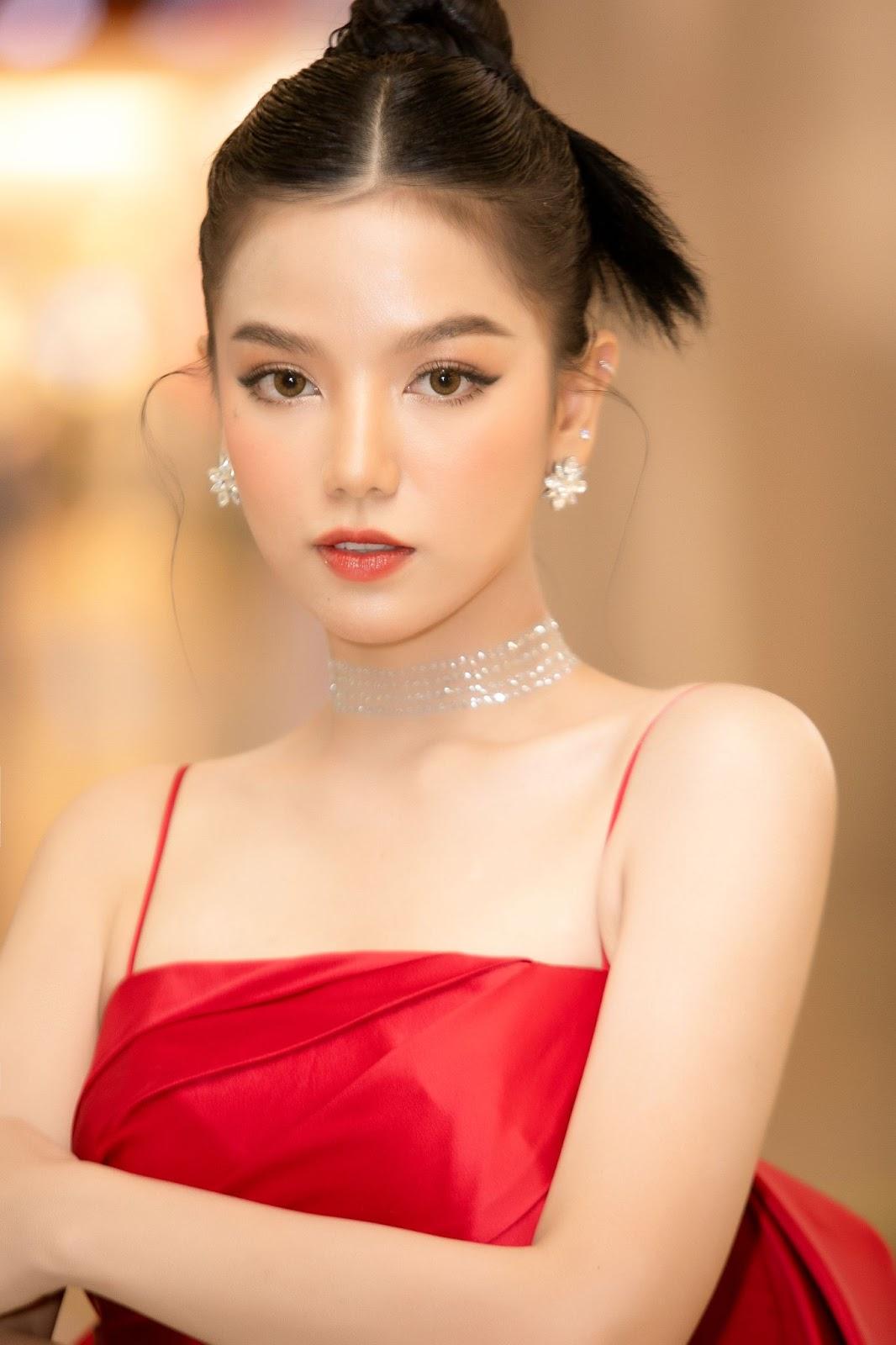 Lê Hạ Anh: Từ ngôi sao thời trang trở thành ngọc nữ tiềm năng của điện ảnh Việt - Hình 7